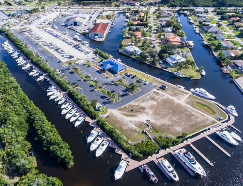 MarineMax Fort Myers Marina – Marine