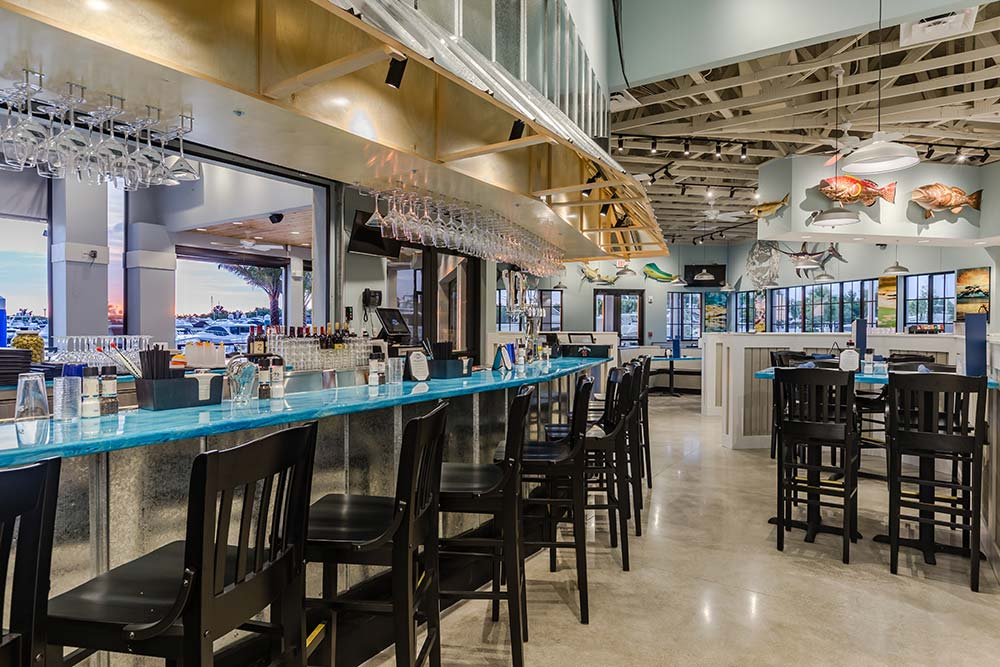 Deep Lagoon Seafood & Oyster House - bar